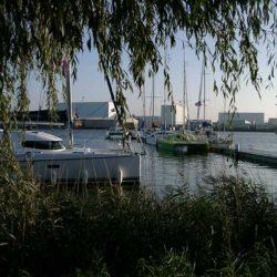 Katamarane in der Marina Bremerhaven