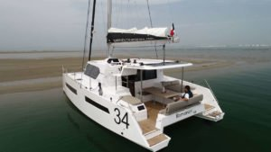 Aventura 34 und cat sale auf dem Festival International de la Plaisance de Cannes