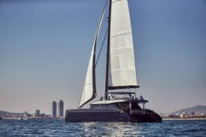 sunreef-80-sailing